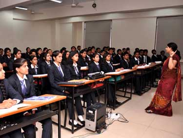 classroom-of-dy-patil-arts-commerce-science-college