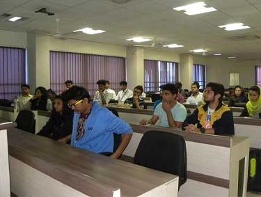 classroom-of-symbiosis-institute-of-computer-studies-and-research