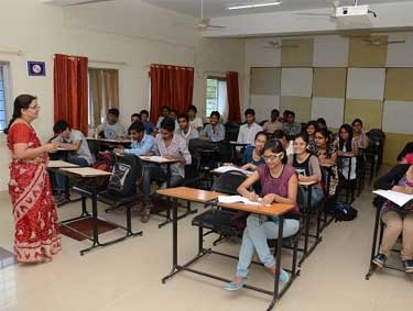 classroom-of-vishwakarma-institute-of-technology-vit