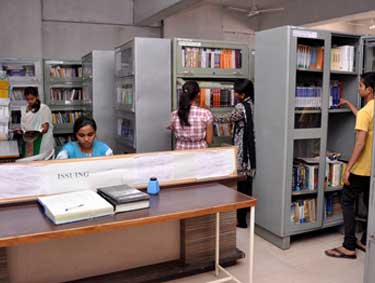 library-of-dy-of-patil-arts-commerce-science-college-pune