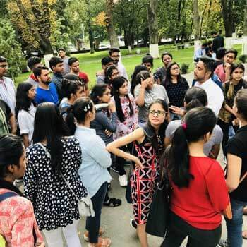 sandeep-singh-discussion-with-students-about-university